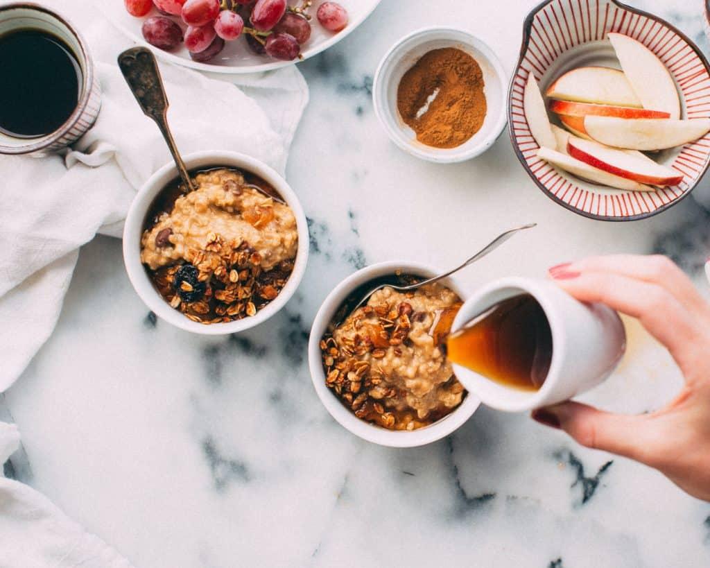Porridge amarante pour le brunch - Les Jus PAF